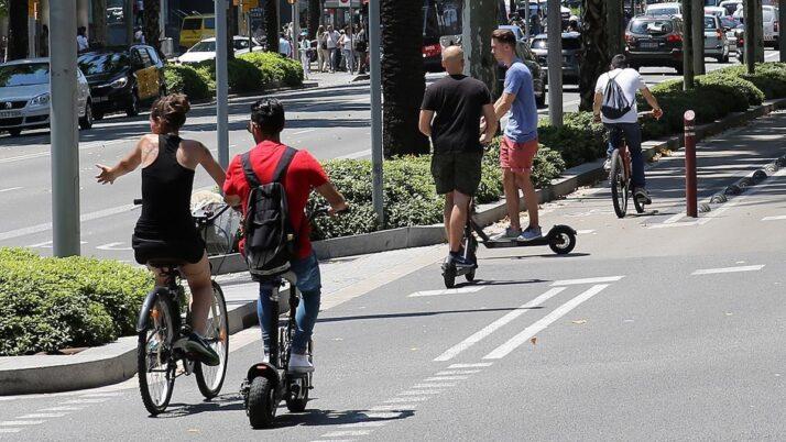 Derecho Administrativo: ¿Como se regula la circulación de patinetes y bicis en las ciudades de España?